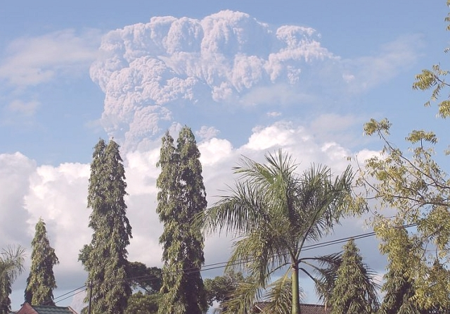 Sangeang-Api-Eruption